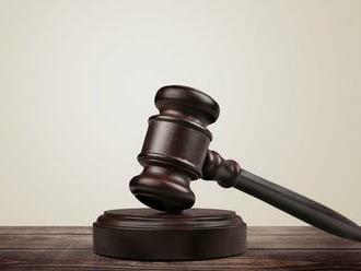Sudca dnes rozhodne, či zadržaní vyšetrovatelia NAKA a šéf Inšpekcie pôjdu do väzby