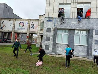 Streľba na ruskej univerzite: Študenti vyskakovali z okien, hlásia šesť obetí