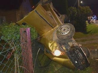 Len 15-ročný chlapec spôsobil vážnu nehodu. Šoféroval bez papierov a s vyše dvomi promile